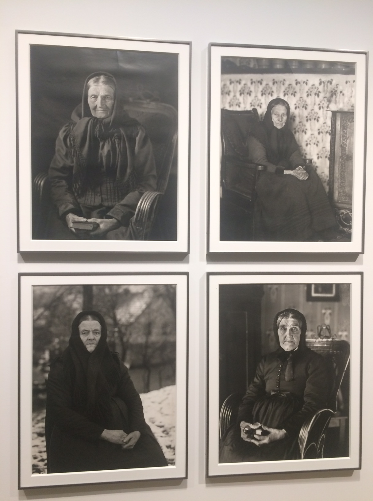 August Sander-old ladies