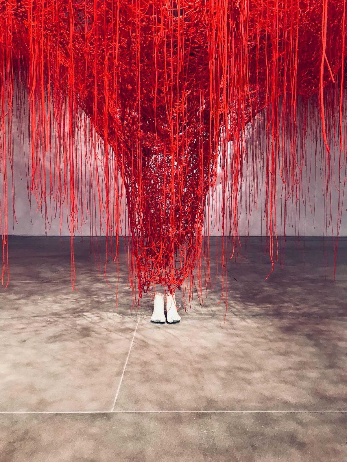 Chiharu Shiota - feet and net