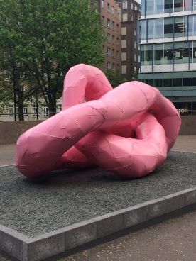 Franz West-TAB-Sculptureout